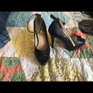Shoes - Just fab heels